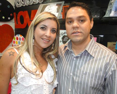 Proprietários Vanessa e Ricardo -