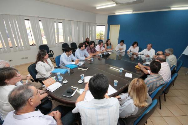 """Técnicos e secretários de 15 Municípios discutem Programa """"Mais Educação Foto - Divulgação  -"""
