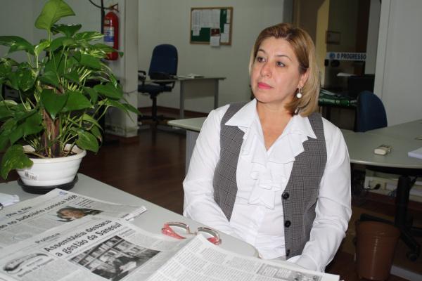 """Secretária de Assistência Social """"abre"""" a pasta e vasculha contas Foto:  Hédio Fazan           -"""