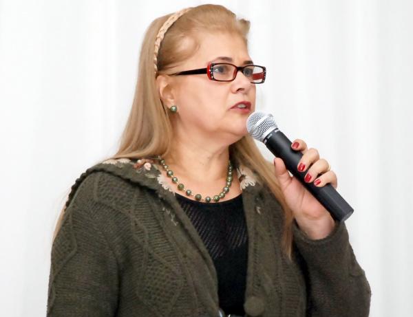 Prefeita, Ilda Machado também anunciou o 13o para o dia 17 Foto: Rogério Sanches -