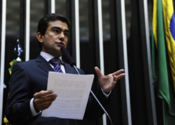 Marçal Filho reage contra decisão do governo de não votar emenda que cria piso nacional. Foto: Divulgação -