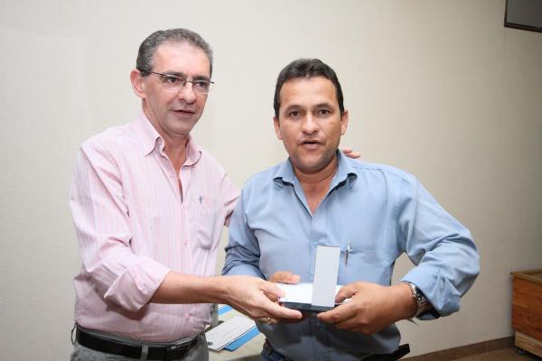 Fotógrafo Hédio Fazan recebeu o prêmio dop secretário Clóvis de Oliveira  - Crédito: Foto: A. Frota