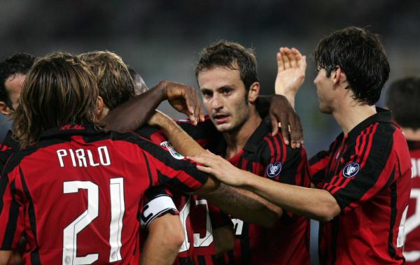 Jogadores do Milan comemoram mais uma vitória do time pelo Campeonato Italiano  Foto: Divulgação   -