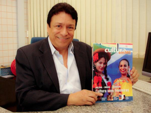 Américo Calheiros diz que revista valoriza os povos da fronteira  - Crédito: Foto: Daniel Reino