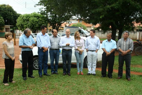 Prefeito Gilberto Garcia entrega veículo para Semcias  - Crédito: Foto: Natalho Cuer