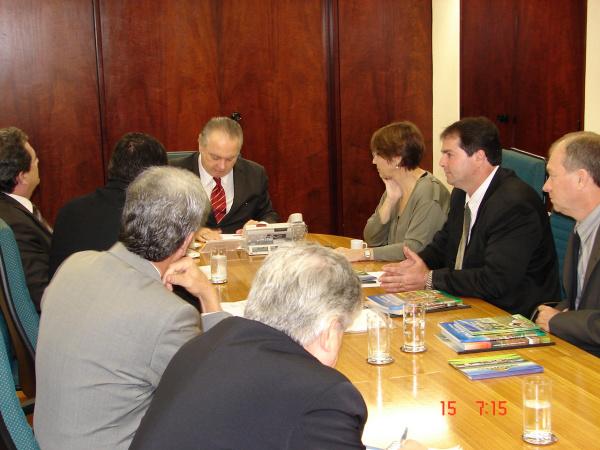 Comissão de MS foi recebida pelo ministro da Agricultura, Wagner Rossi  - Crédito: Foto: Divulgação