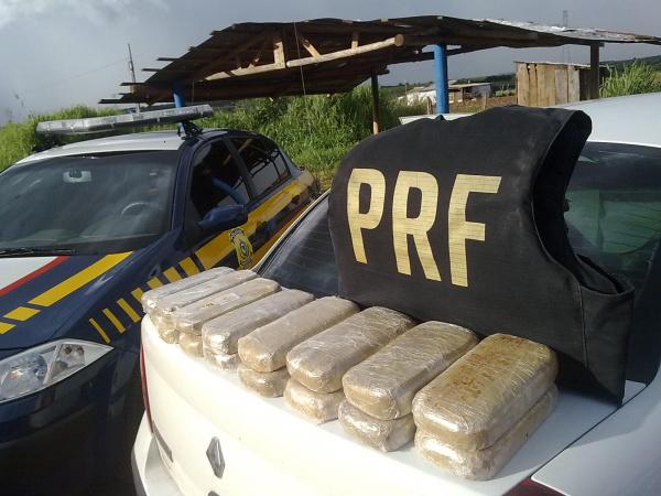 A droga foi apreendida na BR-262, saida para Três Lagoas  - Crédito: Foto:PRF para divulgação