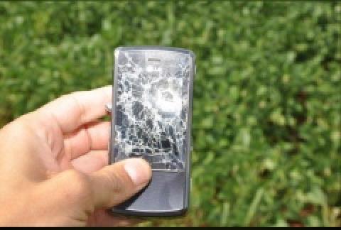 Taxista é salvo por celular ao levar tiro em assalto -