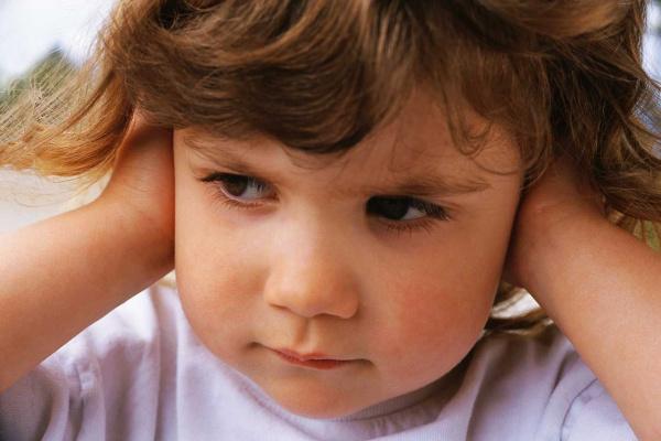 A infecção no ouvido é causada por bactérias e fungos  - Crédito: Foto: Reprodução