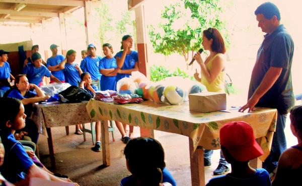 Estudantes recebem orientações sobre reciclagem de materiais em Guassulândia  - Crédito: Foto: Divulgação