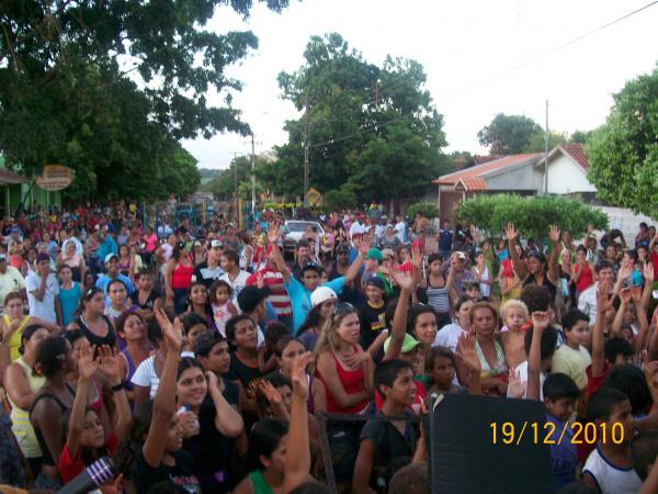 Cerca de duas mil pessoas participaram do bingo no Canaã I  - Crédito: Foto: divulgação