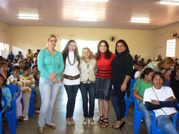 Famílias do Peti e Bolsa Família de Douradina participam de palestras  - Crédito: Foto: Divulgação