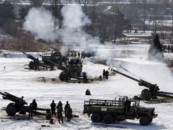 Exército sul-coreano faz exercício militar em Chulwon, nesta segunda-feira - Crédito: Foto: AP