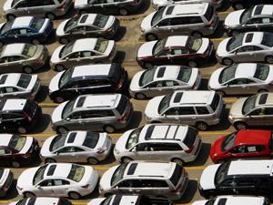 Venda de veículos deve cair 30% em janeiro no Brasil  - Crédito: Foto: Reuters