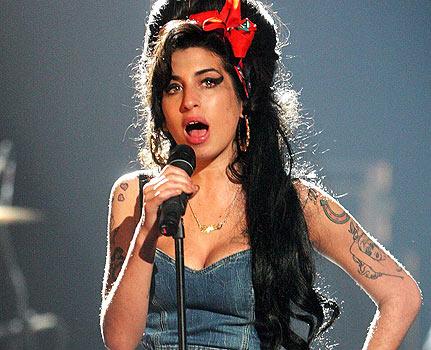 """Amy Winehouse  surgiu em 2006 quando gravou \""""Back to black""""   - Crédito: Foto: Divulgação"""