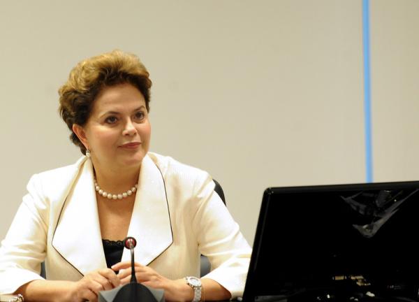 Presidente Dilma Rousseff durante reunião com ministros da área social e econômica. - Crédito: Foto: Wilson Dias / Agência Brasil