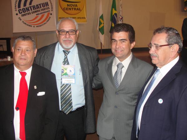O deputado Marçal Filho com representantes da COBAP e da Central Sindical  - Crédito: Foto: Divulgação