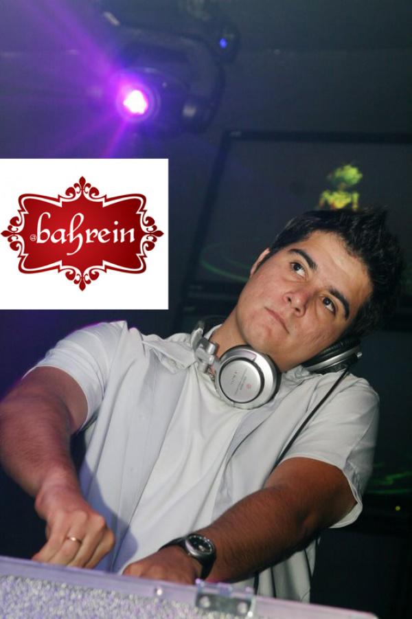 Dj Vitor Costa toca hoje a noite na Bahrein  - Crédito: Foto:Divulgação