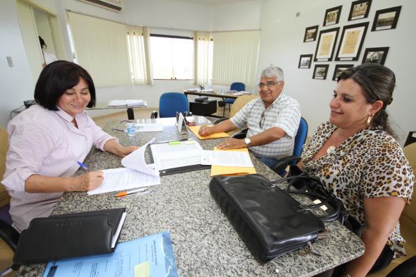 Prefeita Délia Razuk assina termo de cooperação técnica ambiental  - Crédito: Foto: A. Frota