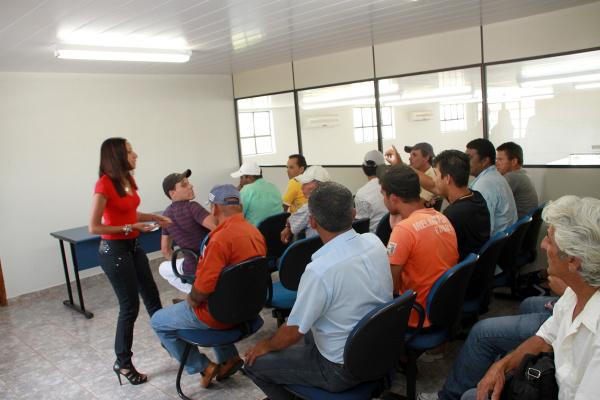 Entrevistas de emprego movimentam o municipio de Nova Andradina   - Crédito: Foto : Natalho Cuer