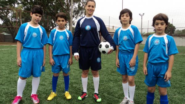 Futebol feminino também é opção de formação na Pro Gol Esporte e Lazer  - Crédito: Foto: Divulgação