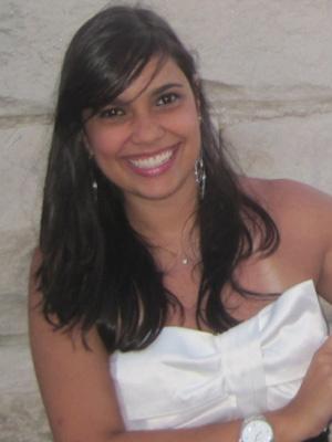 Ana Carolina estava estudando quando foi obrigada a voltar pra casa. - Crédito: Foto: Arquivo pessoal/BBC
