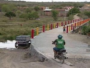 Ponte foi construída entre Caruaru - Crédito: Foto: Reprodução/TV Globo Nordeste