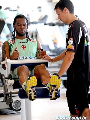 Carlos Alberto fez musculação nesta quarta  - Crédito: Foto: Marcelo Sadio / Site Oficial do Vasco
