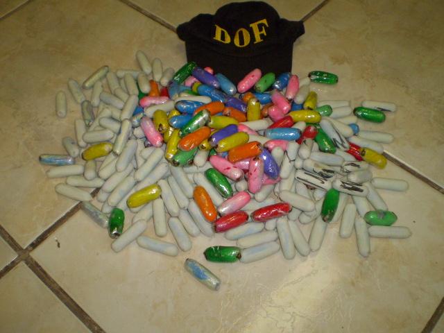 Capsulas com cocaína estava com passageira do ônibus  - Crédito: Foto: Divulgação
