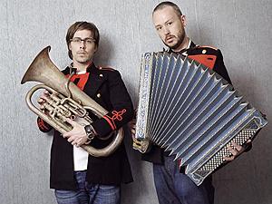 A dupla inglesa de house music  Basement Jaxx  - Crédito: Foto: Divulgação/MySpace do artista