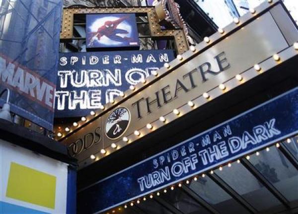 Fachada do teatro Foxwoods, sede da montagem do musical do Homem-Aranha - Crédito: Foto: AP