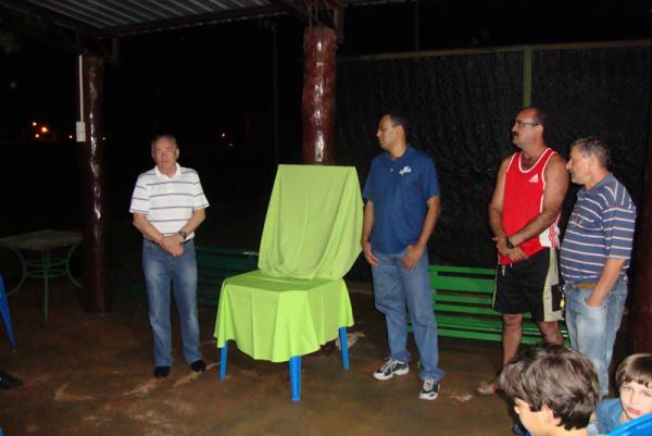 Diretoria do clube inaugura a nova quadra do Indaiá  - Crédito: Foto: Divulgalção