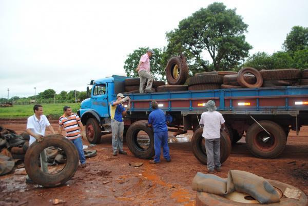 Pneus de borracharias também foram recolhidos  - Crédito: Foto : Divulgação