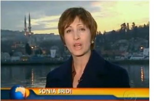 Sonia Bridi faz apelo para que as pessoas ajudem as familias que perderam tudo na tragédia do Rio Foto: div. -