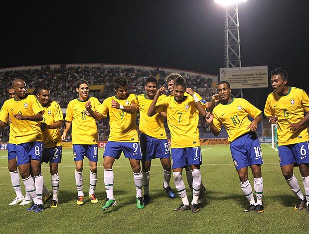 Neymar comanda dancinha na comemoração do primeiro gol da Seleção sub-20 - Crédito: Foto: Mowa Press