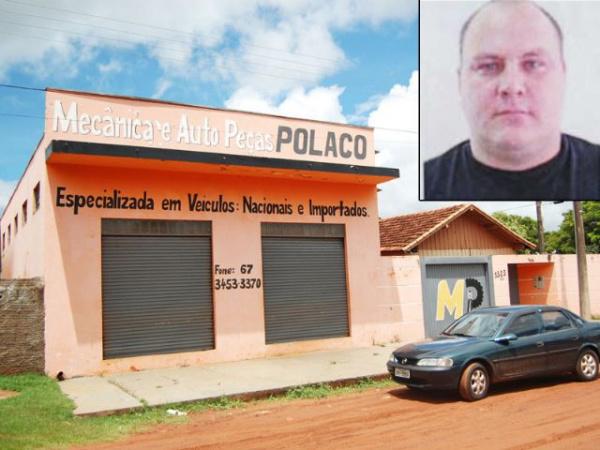 Mecânico foi morto na oficina, em Caarapó. foto - André Nezzi/Caaraponews -