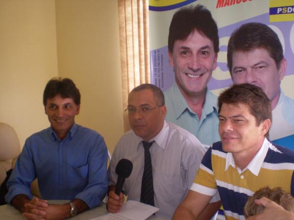 Geraldo Sales, Silva Junior e Troquez durante gravação   - Crédito: Foto: Julio Saldivar