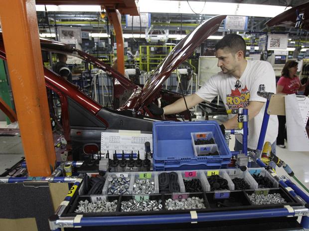 Produção de minivans na fábrica da Chrysler em Windsor, no Canadá - Crédito: Foto: Carlos Osorio/AP