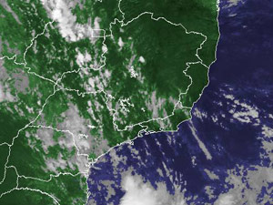 Imagem de satélite mostra nuvens sobre o sul da Região Sudeste - Crédito: Foto: Reprodução/Cptec/Inpe