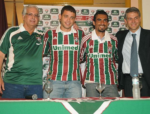 Edinho e Araújo são apresentados no Fluminense - Crédito: Foto: Agência Photocâmera