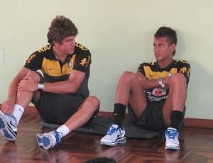Ao lado de Bruno Uvini, Neymar ganha elogios dos companheiros da Seleção Brasileira sub-20  - Crédito: Foto: Márcio Iannacca / Globoesporte.com