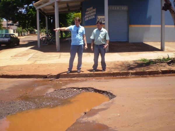 Candidatos Troquez e Sales propõem plano emergencial   - Crédito: Foto: Silva Junior