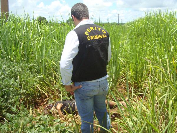 Indígena morta em meio a plantação de soja na 156. foto - CIDO COSTA -