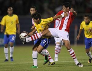Titular na estreia, Henrique está fora do jogo diante dos colombianos nesta quinta - Crédito: Foto: Mowa Press