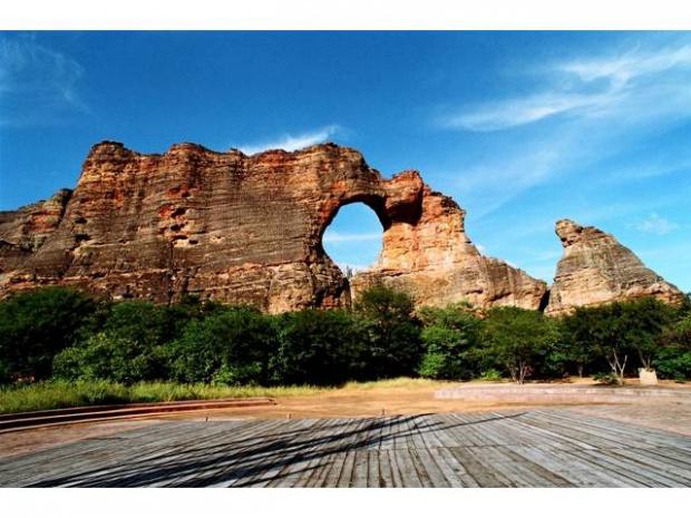 Pedra chama a atenção pela beleza e variedade de cores - Crédito: Foto: Divulgação