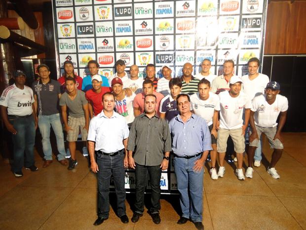 Itaporã apresenta oficilamente o elenco para a Série A e seus patrocinadores  - Crédito: Foto: Divulgação/Walter Ramos