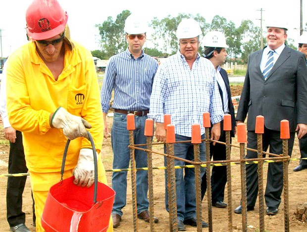 Presidente Paulo Odone visita obras da Arena do Grêmio - Crédito: Foto: Eduardo Cecconi/Globoesporte.com