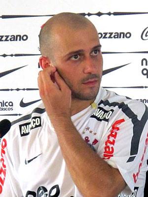 Alessandro em coletiva nesta segunda-feira  - Crédito: Foto: Leandro Canônico / Globoesporte.com