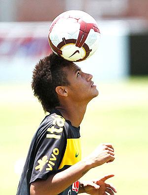 Neymar deve ser poupado do jogo desta terça-feira, contra o Equador, em Tacna - Crédito: Foto: Reuters