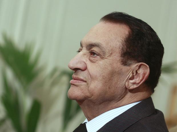 O presidente egípcio Hosni Mubarak durante encontro com o presidente da Autoridade Palestina, Mahmoud Abbas, nesta segunda - Crédito: Foto: Amr Nabil / AP